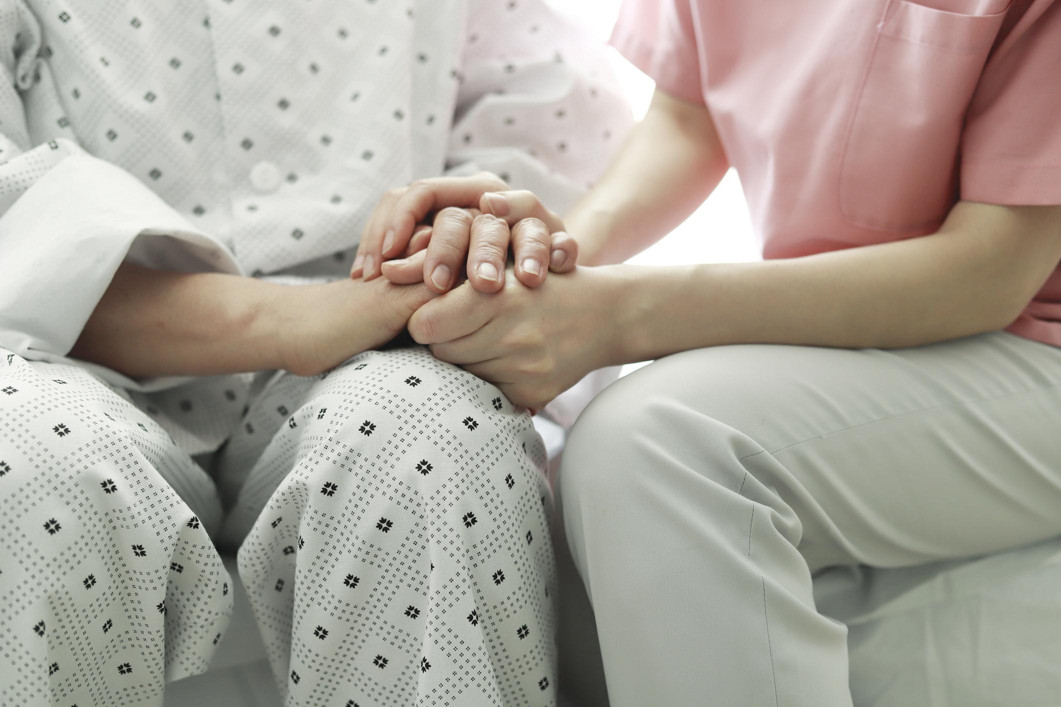 Accompagner un parent en fin de vie - Odella.fr