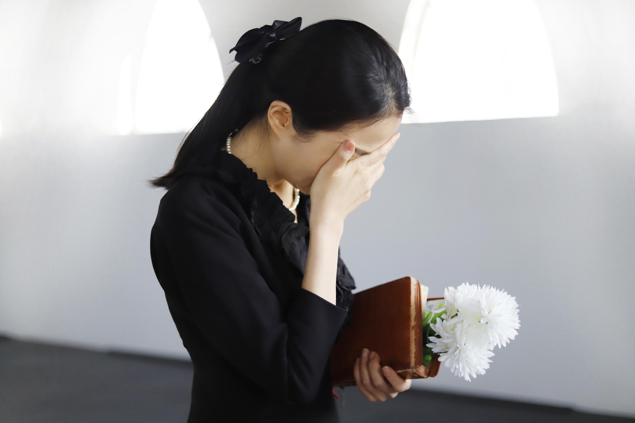 Faire face à la mort lors des funérailles