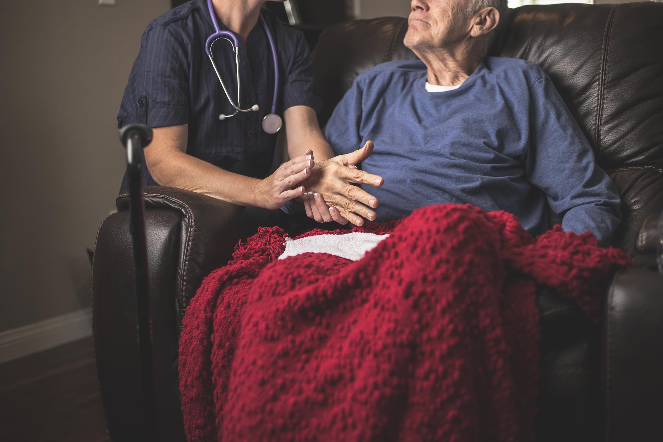 Les soins palliatifs, qui peut les faire ?