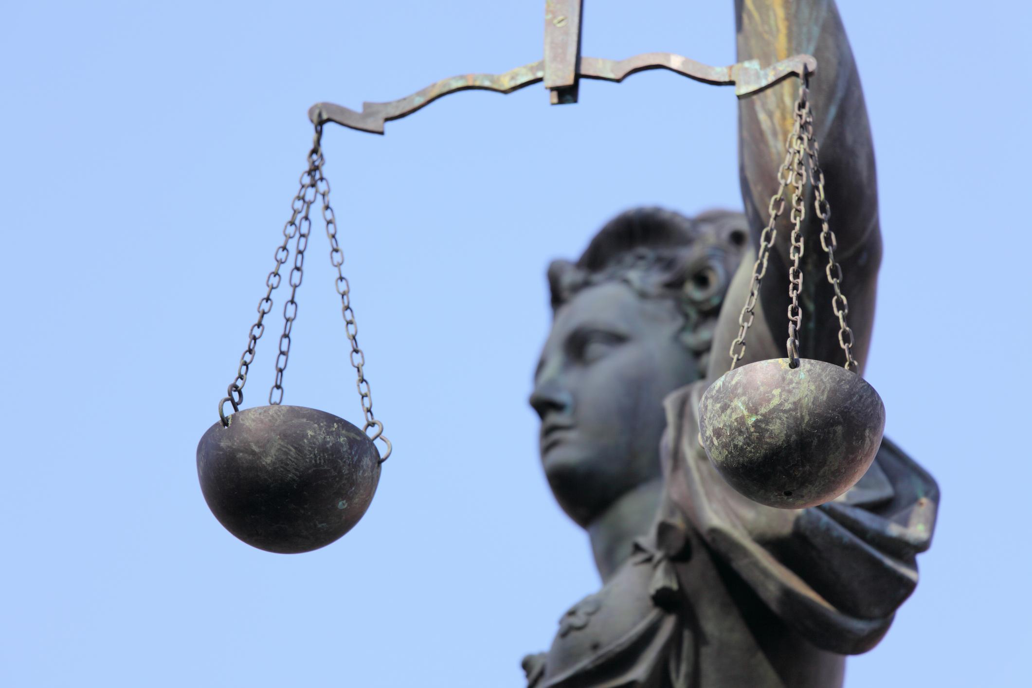 Pourquoi prendre un avocat en droit des successions ?