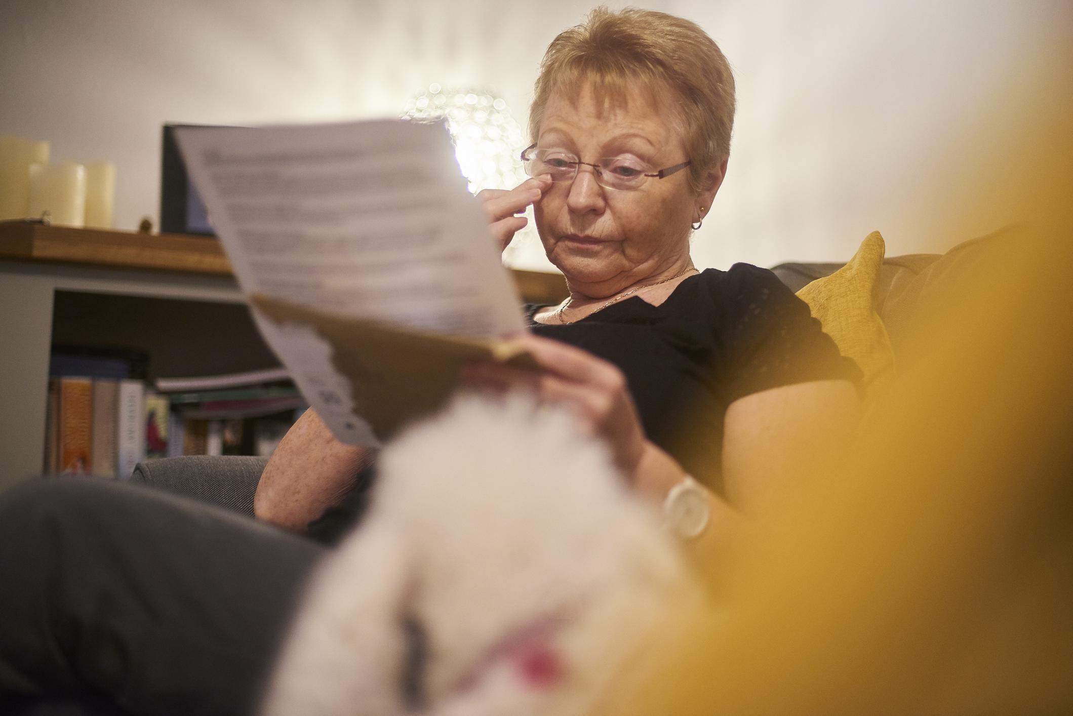 Comment rédiger une lettre décès pour prévenir les proches - Odella.fr