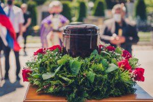 Quelles fleurs choisir pour une crémation